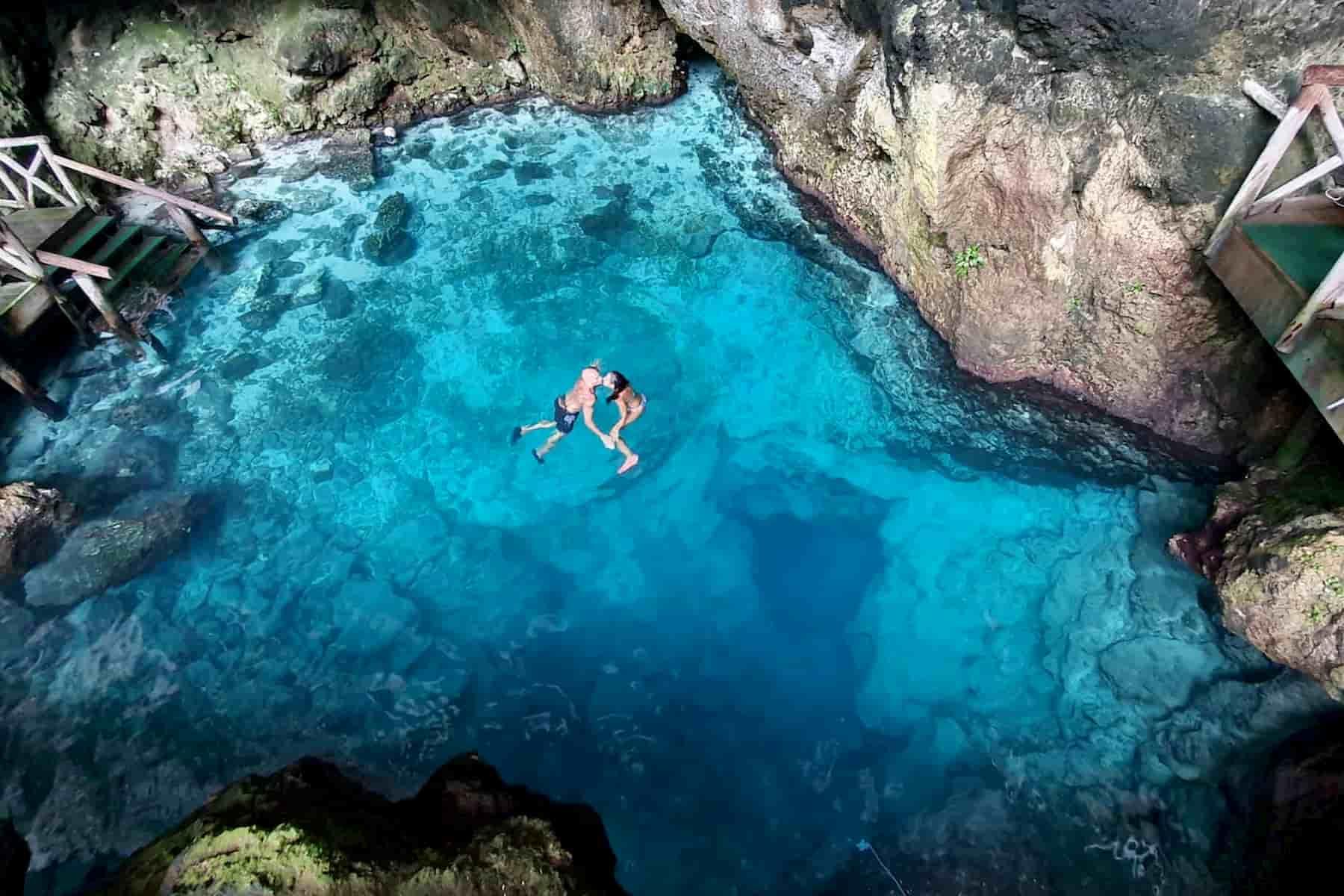 Hoyo Azul Republica Dominicana www.elpensador.info